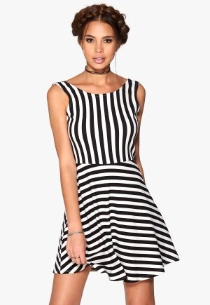 Sisters Point Ganna dress Cream/Blk M